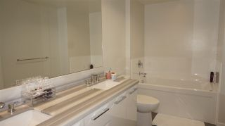 """Photo 8: 2709 3093 WINDSOR Gate in Coquitlam: New Horizons Condo for sale in """"THE WINDSOR BY POLYGON"""" : MLS®# R2340813"""