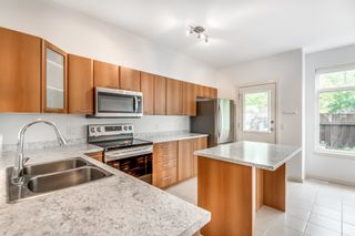 """Photo 2: 144 2000 PANORAMA Drive in Port Moody: Heritage Woods PM Townhouse for sale in """"Mountain's Edge by Parklane"""" : MLS®# R2620218"""
