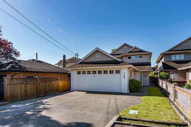 Main Photo: 3180 pleasant Street: House for sale : MLS®# R2171060