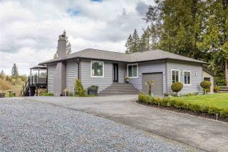 """Photo 2: 7887 227 Crescent in Langley: Fort Langley House for sale in """"Forest Knolls"""" : MLS®# R2561927"""
