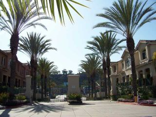 Photo 2: MISSION VALLEY Townhouse for sale : 2 bedrooms : 938 Camino De La Reina #78 in San Diego