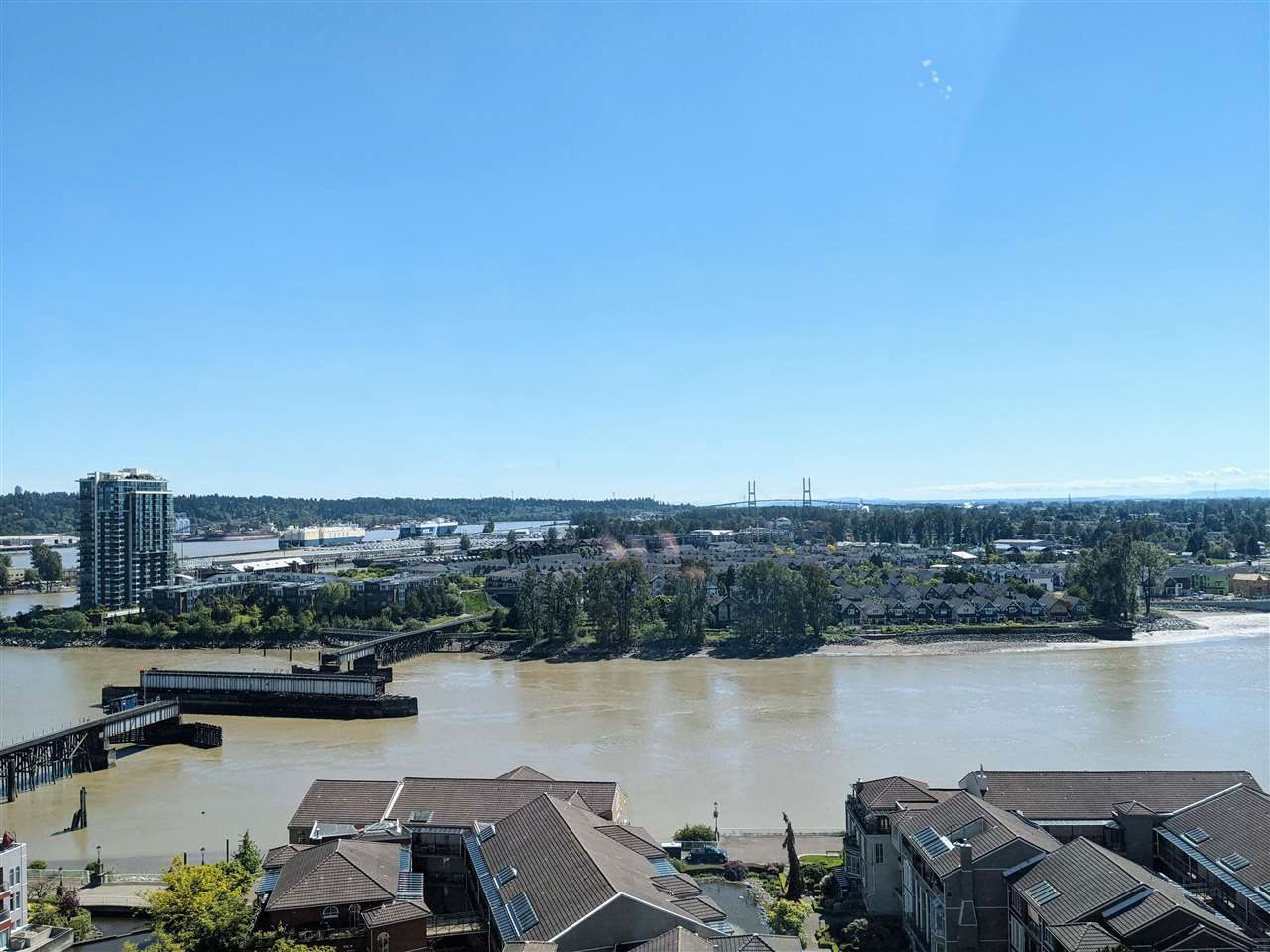 """Main Photo: 1803 1 RENAISSANCE Square in New Westminster: Quay Condo for sale in """"The Q"""" : MLS®# R2579604"""