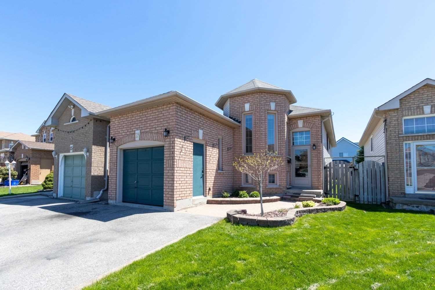 Main Photo: 13 Willey Drive in Clarington: Bowmanville House (Bungalow-Raised) for sale : MLS®# E5234666