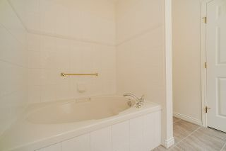 """Photo 13: 207 3098 GUILDFORD Way in Coquitlam: North Coquitlam Condo for sale in """"Malborough House"""" : MLS®# R2449072"""