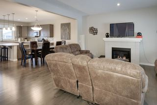 Photo 6: 5208 ADMIRAL WALTER HOSE Street in Edmonton: Zone 27 House for sale : MLS®# E4226677