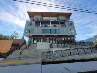 """Main Photo: 4 39666 GOVERNMENT Road in Squamish: Northyards Office for sale in """"THE NORTHYARDS"""" : MLS®# C8040342"""