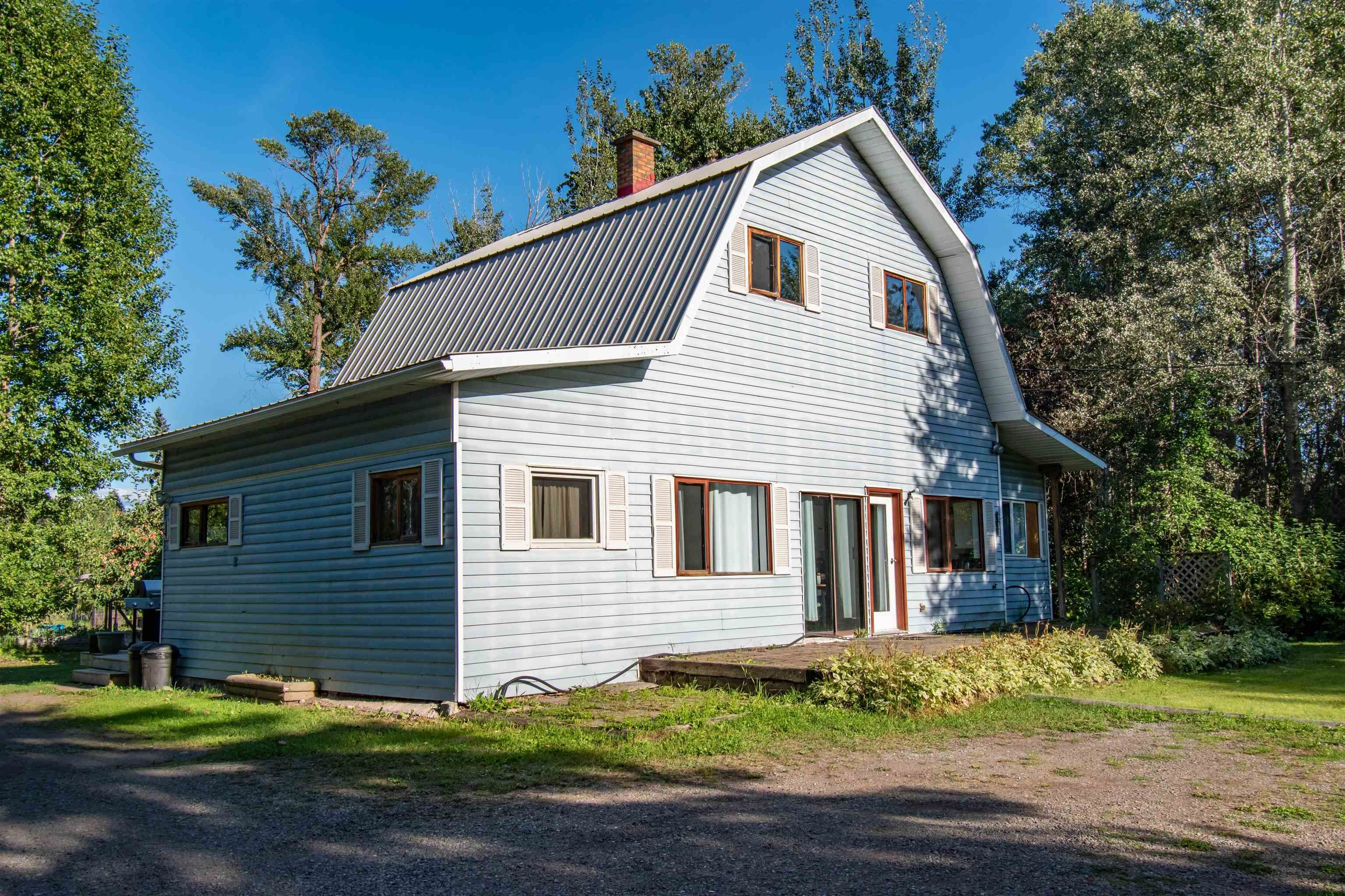 Main Photo: 420 HUDSON BAY MOUNTAIN Road in Smithers: Smithers - Rural House for sale (Smithers And Area (Zone 54))  : MLS®# R2611709