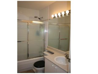 """Photo 6: PH1 418 E BROADWAY in Vancouver: Mount Pleasant VE Condo for sale in """"BROADWAY CREST"""" (Vancouver East)  : MLS®# V1022028"""