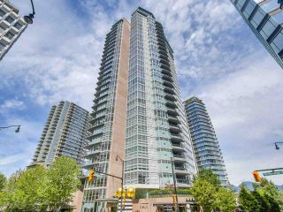 """Photo 1: 2301 1205 W HASTINGS Street in Vancouver: Coal Harbour Condo for sale in """"CIELO"""" (Vancouver West)  : MLS®# R2191331"""