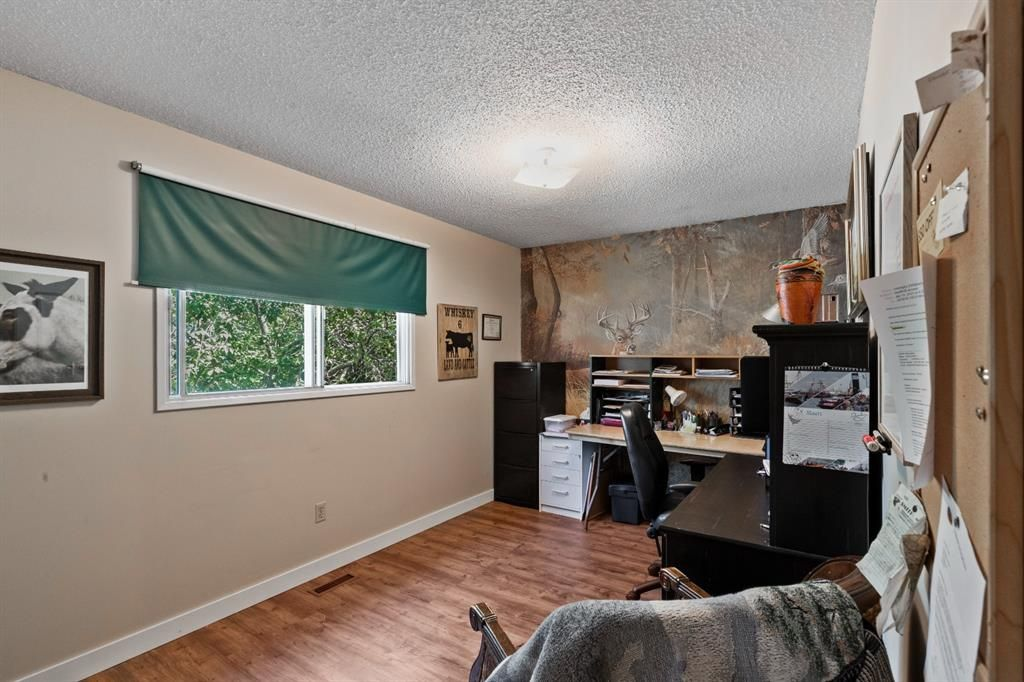 Photo 15: Photos: 1033 Smith Avenue: Crossfield Detached for sale : MLS®# A1129311