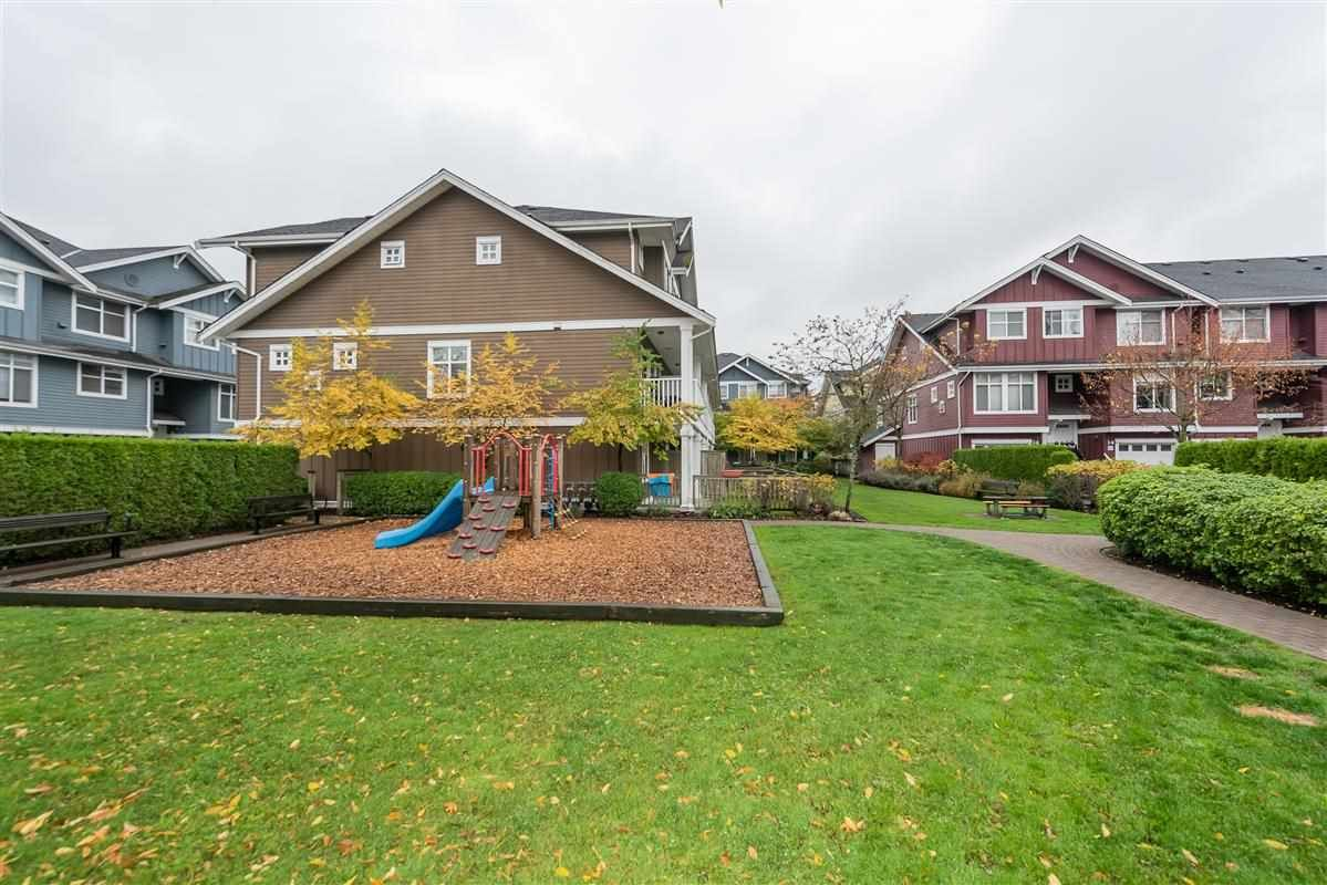 """Photo 18: Photos: 7 935 EWEN Avenue in New Westminster: Queensborough Townhouse for sale in """"COOPERS LANDING"""" : MLS®# R2368052"""
