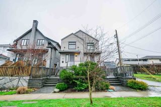 Photo 1: 4262 INVERNESS STREET in Vancouver: Knight 1/2 Duplex for sale (Vancouver East)  : MLS®# R2452908