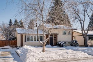 Photo 3: 87 West Glen Crescent SW in Calgary: Westgate Detached for sale : MLS®# A1068835