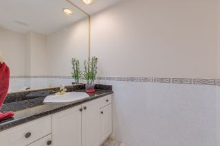 Photo 10: 2575 JADE Place in Coquitlam: Westwood Plateau House for sale : MLS®# R2298096
