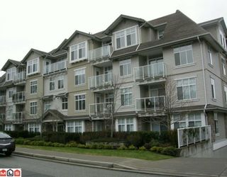 """Photo 1: 403 15323 17A Avenue in Surrey: King George Corridor Condo for sale in """"Semiahmoo Place"""" (South Surrey White Rock)  : MLS®# F1000574"""