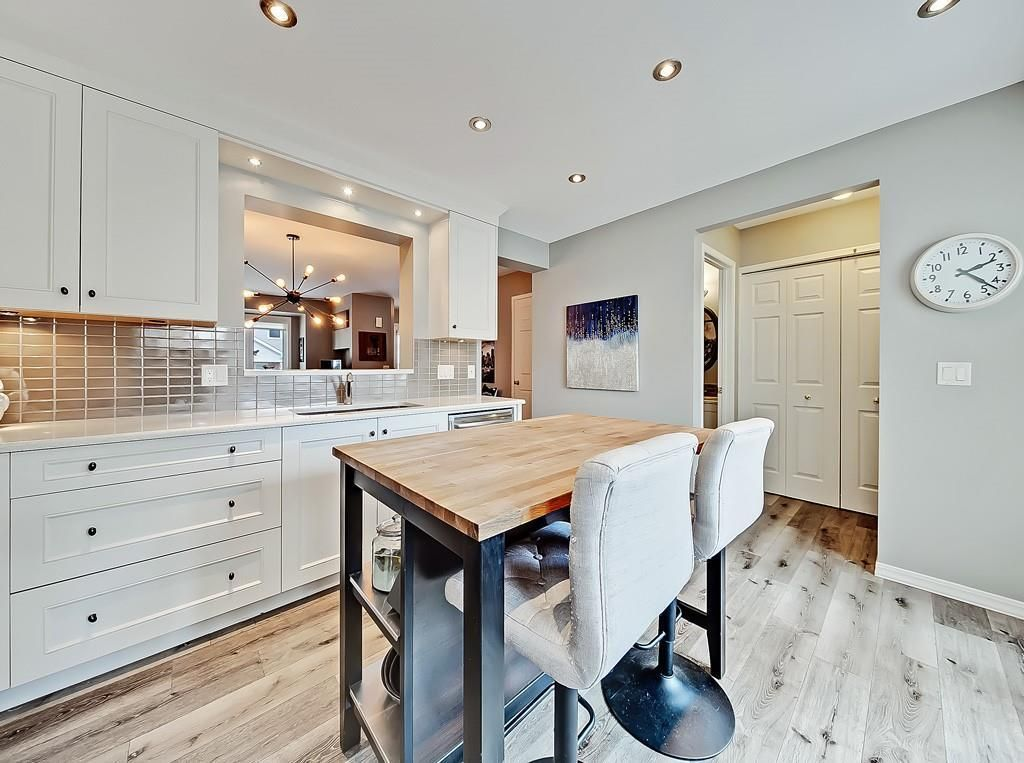 Main Photo: 11 3910 19 Avenue SW in Calgary: Glendale Row/Townhouse for sale : MLS®# C4258186