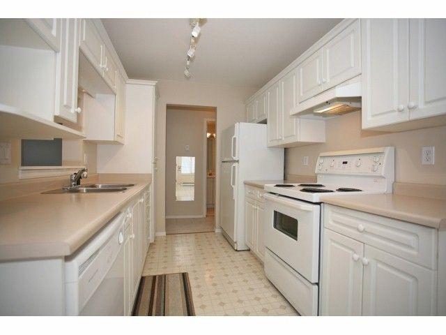 "Photo 9: Photos: 410 20200 54A Avenue in Langley: Langley City Condo for sale in ""MONTEREY GRANDE"" : MLS®# F1404718"