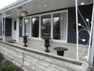 Photo 2: 830 Haney Street in WINNIPEG: Charleswood Residential for sale (South Winnipeg)  : MLS®# 1510252