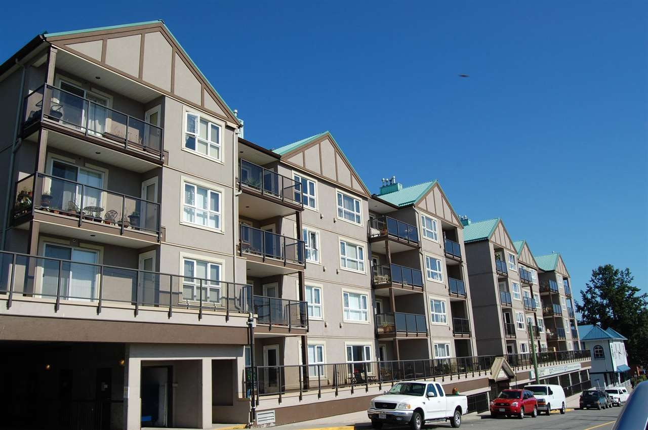 """Main Photo: 208 33165 2ND Avenue in Mission: Mission BC Condo for sale in """"Mission Manor"""" : MLS®# R2568980"""