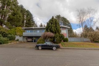 Photo 1: 3384 CARDINAL Drive in Burnaby: Government Road House for sale (Burnaby North)  : MLS®# R2037916