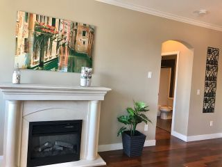 "Photo 8: 206 2627 SHAUGHNESSY Street in Port Coquitlam: Central Pt Coquitlam Condo for sale in ""THE VILLAGIO"" : MLS®# R2393781"