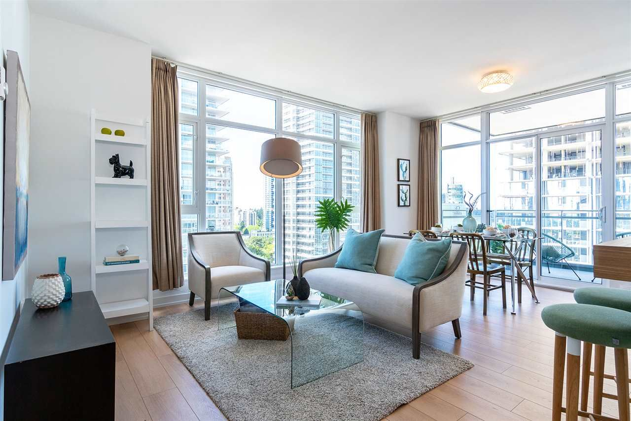 """Main Photo: 1901 4688 KINGSWAY in Burnaby: Metrotown Condo for sale in """"STATION SQUARE"""" (Burnaby South)  : MLS®# R2485015"""