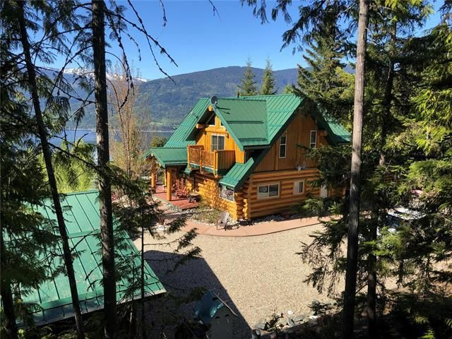 Main Photo: 5142 Ridge Road, in Eagle Bay: House for sale : MLS®# 10236832
