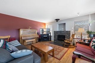 Photo 4: 2876 Ulverston Ave in : CV Cumberland House for sale (Comox Valley)  : MLS®# 879581