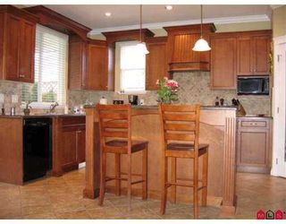 """Photo 2: 21620 93RD Avenue in Langley: Walnut Grove House for sale in """"Redwoods Estates"""" : MLS®# F2707802"""