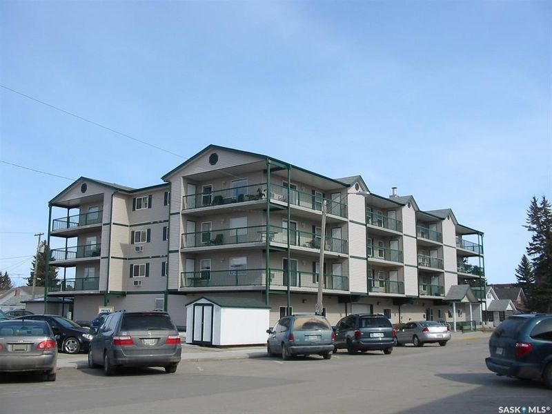 FEATURED LISTING: 202 - 215 1st Street West Nipawin