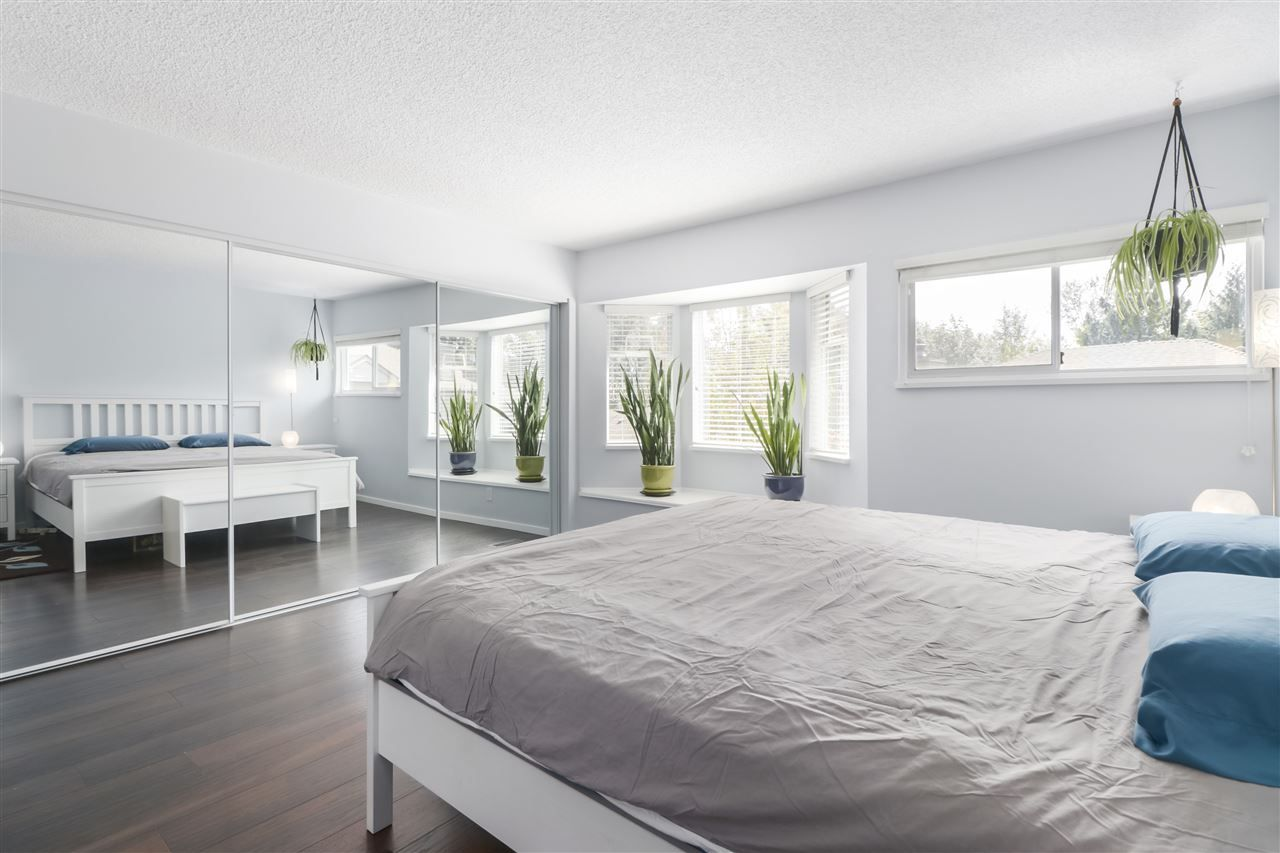 """Photo 11: Photos: 8881 LARKFIELD Drive in Burnaby: Forest Hills BN Townhouse for sale in """"PRIMROSE HILL"""" (Burnaby North)  : MLS®# R2494951"""