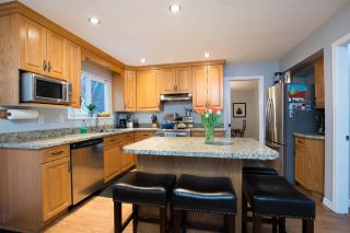 Photo 2: 5780 SHERWOOD Boulevard in Delta: Tsawwassen East House for sale (Tsawwassen)  : MLS®# R2572309