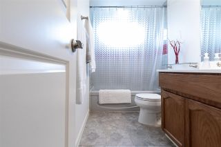 """Photo 4: 2372 MOUNTAIN Drive in Abbotsford: Abbotsford East House for sale in """"MOUNTAIN VILLAGE"""" : MLS®# R2405999"""