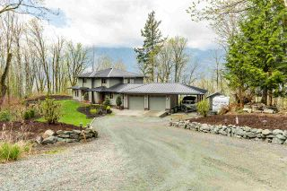 Photo 1: 43207 SALMONBERRY Drive in Chilliwack: Chilliwack Mountain House for sale : MLS®# R2529009