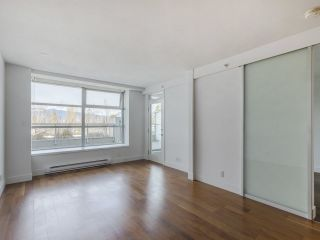 """Photo 9: 204 4375 W 10TH Avenue in Vancouver: Point Grey Condo for sale in """"The Varsity"""" (Vancouver West)  : MLS®# R2552003"""