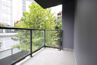 """Photo 10: 301 1155 SEYMOUR Street in Vancouver: Downtown VW Condo for sale in """"BRAVA"""" (Vancouver West)  : MLS®# R2117217"""