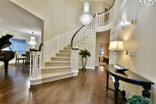 """Photo 3: 21533 86A Crescent in Langley: Walnut Grove House for sale in """"Forest Hills"""" : MLS®# R2423058"""