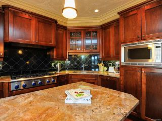 Photo 14: 324 3666 ROYAL VISTA Way in COURTENAY: CV Crown Isle Condo for sale (Comox Valley)  : MLS®# 784611