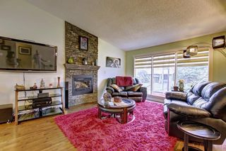 Photo 5: 6627 COACH HILL Road SW in Calgary: Coach Hill Detached for sale : MLS®# C4245453