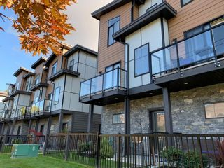 Photo 1: 118 687 Strandlund Ave in Langford: La Langford Proper Row/Townhouse for sale : MLS®# 888322