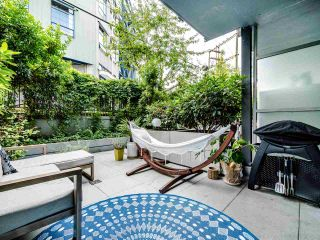 """Photo 9: 222 256 E 2ND Avenue in Vancouver: Mount Pleasant VE Condo for sale in """"Jacobsen"""" (Vancouver East)  : MLS®# R2495462"""