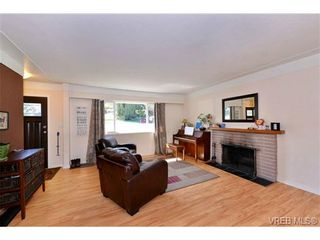 Photo 4: 3361 Rolston Cres in VICTORIA: SW Tillicum House for sale (Saanich West)  : MLS®# 725044