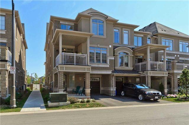 Main Photo: 9 2435 Greenwich Drive in Oakville: West Oak Trails House (3-Storey) for sale : MLS®# W3305416