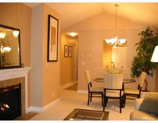 """Photo 1: 310 6860 RUMBLE Street in Burnaby: South Slope Condo for sale in """"GOVERNORS WALK"""" (Burnaby South)  : MLS®# V645334"""