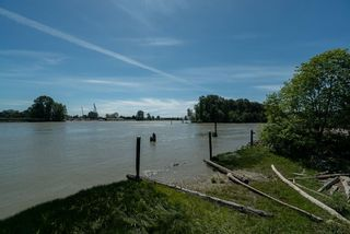 """Photo 29: 102 2 RENAISSANCE Square in New Westminster: Quay Condo for sale in """"The Lido"""" : MLS®# R2467538"""