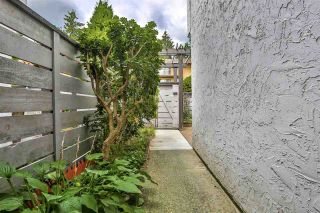 """Photo 17: 981 HOWIE Avenue in Coquitlam: Central Coquitlam Townhouse for sale in """"OAKWOOD"""" : MLS®# R2494241"""