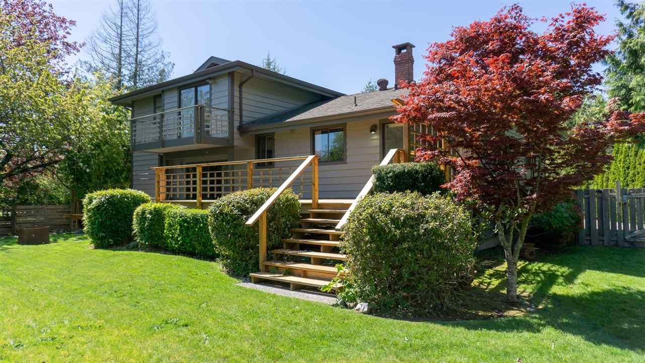 Main Photo: 6422 NORVAN Road in Sechelt: Sechelt District House for sale (Sunshine Coast)  : MLS®# R2575997