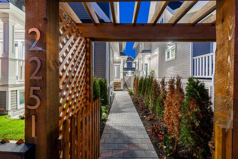 FEATURED LISTING: 2251 35TH Avenue East Vancouver