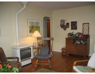 Photo 9: 5748 MEDUSA Street in Sechelt: Sechelt District House for sale (Sunshine Coast)  : MLS®# V799828