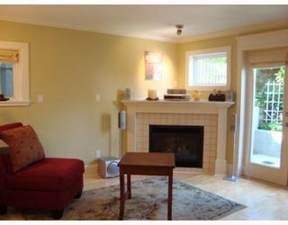 Photo 2: 320 14th Ave. West in Vancouver: Mount Pleasant VW Condo for sale (Vancouver West)  : MLS®# V769525